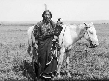 Yellow Lark, ein Cacique-Sioux spricht: